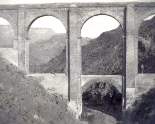Acueducto de los Cinco Ojos en una fotografía de 1939