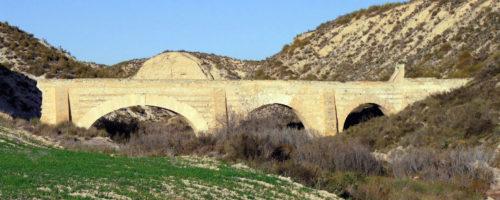 Acueducto de la Zarzadilla, en Lorca (Murcia) , que pudo inspirar la construcción de los acueductos de Aspe